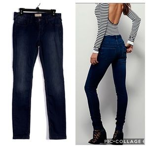 Free People Dark Wash Skinny Jeans EUC Size 29